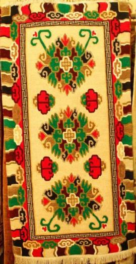 Tibetan-carpet-with-3-Flower-design