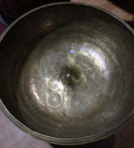 carved lingam singing bowls
